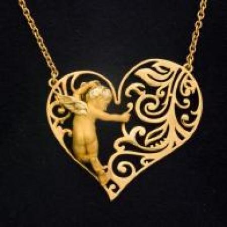 Романтичный кулон в форме сердца