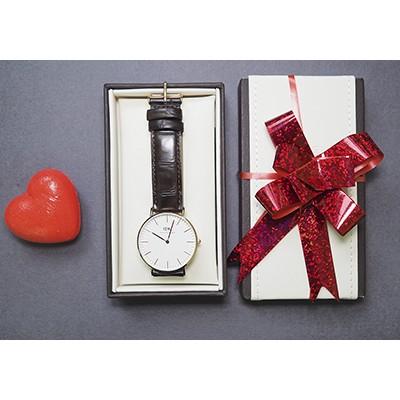 Опровержение мифов: часы на Новый год дарить мужу или жене можно