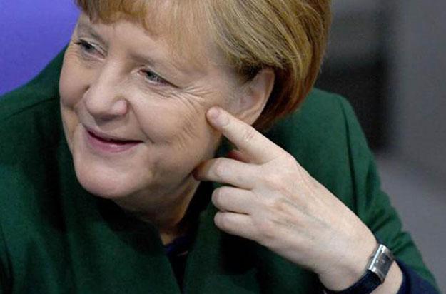 chasy-Angely-Merkel